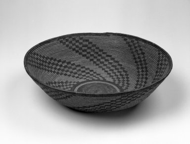 Pima. <em>Basketry Bowl</em>, late 19th or early 20th century. Plant fiber, 5 1/16 x 17 15/16 x 17 15/16 in. (12.9 x 45.6 x 45.6 cm). Brooklyn Museum, Gift of Pratt Institute, 46.136.9. Creative Commons-BY (Photo: Brooklyn Museum, 46.136.9_bw.jpg)