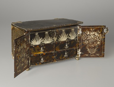 <em>Casket or Small Cabinet</em>, 1677. Tortoise shell, silver, Closed: 6 7/8 x 10 1/8 x 6 1/4 in. (17.5 x 25.7 x 15.9 cm). Brooklyn Museum, Carll H. de Silver Fund, 47.116.1. Creative Commons-BY (Photo: Brooklyn Museum, 47.116.1_PS6.jpg)