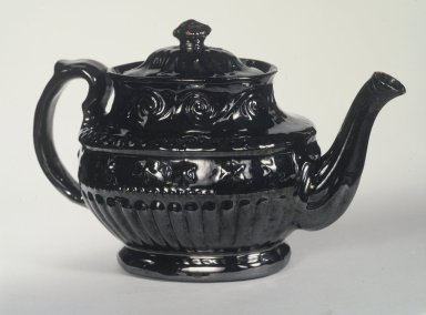American. <em>Teapot</em>. Earthenware Brooklyn Museum, Dick S. Ramsay Fund, 47.138.1a-b. Creative Commons-BY (Photo: Brooklyn Museum, 47.138.1a-b.jpg)