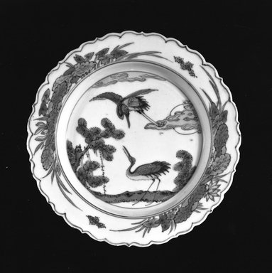 <em>Plate</em>, 1368-1644. Porcelain with underglaze, 5/8 x 5 3/4 in. (1.6 x 14.6 cm). Brooklyn Museum, Henry L. Batterman Fund, 47.201. Creative Commons-BY (Photo: Brooklyn Museum, 47.201_acetate_bw.jpg)
