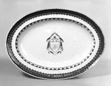 <em>Platter</em>, 1790-1810. Porcelain Brooklyn Museum, Gift of Mrs. William Sterling Peters, 48.207.170. Creative Commons-BY (Photo: Brooklyn Museum, 48.207.170_bw.jpg)