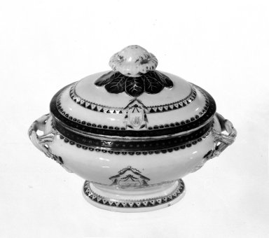 <em>Covered Vegetable Dish</em>. Porcelain Brooklyn Museum, Gift of Mrs. William Sterling Peters, 48.207.204. Creative Commons-BY (Photo: Brooklyn Museum, 48.207.204_bw.jpg)
