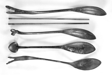 <em>Set of Ritual Implements</em>, 918-1392. possibly bronze or silver, A (spoon): 1 1/2 x 11 1/8 in. (3.8 x 28.3 cm). Brooklyn Museum, 48.71.8a-f. Creative Commons-BY (Photo: Brooklyn Museum, 48.71.8a-f_acetate_bw.jpg)