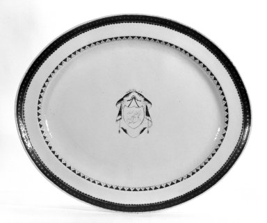 <em>Platter</em>, 1790-1810. Chinese export ware Brooklyn Museum, Bequest of Mrs. William Sterling Peters, 50.141.72a. Creative Commons-BY (Photo: Brooklyn Museum, 50.141.72a_bw.jpg)