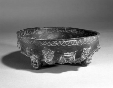 Aztec. <em>Bowl</em>., 3 3/4 x 9 1/2 x 9 1/2 in. (9.5 x 24.1 x 24.1 cm). Brooklyn Museum, Henry L. Batterman Fund and the Frank Sherman Benson Fund, 50.67.144. Creative Commons-BY (Photo: Brooklyn Museum, 50.67.144_view1_bw.jpg)