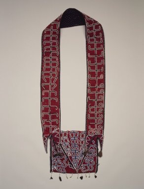 Cherokee. <em>Pouch</em>, early 19th century. Wool, glass beads, textile, thread, 7 1/4 x 8 in. (18.4 x 20.3 cm). Brooklyn Museum, Henry L. Batterman Fund and Frank Sherman Benson Fund, 50.67.18. Creative Commons-BY (Photo: Brooklyn Museum, 50.67.18.jpg)