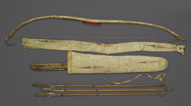Probably Yankton, Nakota, Sioux. <em>Bow, Bow Case, Arrows and Quiver</em>, early 19th century. Elk horn, thread, horsehair, Stroud cloth, sinew, metal, pigment, buffalo hide, mallard scalps, remnants of feathers, bow: 4 1/2 x 1 1/2 x 44 in. (11.4 x 3.8 x 111.8 cm). Brooklyn Museum, Henry L. Batterman Fund and Frank Sherman Benson Fund, 50.67.27a-b. Creative Commons-BY (Photo: Brooklyn Museum, 50.67.27a-b_PS2.jpg)