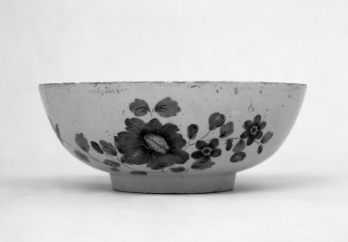 <em>Bowl</em>, mid 18th century. Faience, 3 3/4 x 9 3/8 in. (9.5 x 23.8 cm). Brooklyn Museum, Gift of Townsend Scudder, 51.114.8. Creative Commons-BY (Photo: Brooklyn Museum, 51.114.8_bw.jpg)