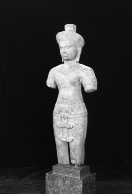 <em>Standing Figure of a Male Deity</em>, 12th century. Brown sandstone, 19 1/2 x 7 1/2 in. (49.6 x 19 cm). Brooklyn Museum, Museum Collection Fund, 51.237. Creative Commons-BY (Photo: Brooklyn Museum, 51.237_side_acetate_bw.jpg)