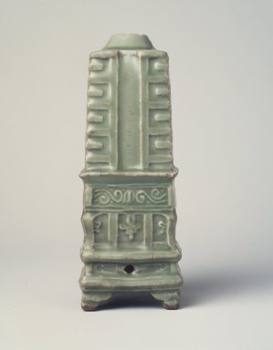 <em>Vase</em>, 1271-1368. High fired green ware (celadon), 7 1/4 x 2 1/2 in. (18.4 x 6.4 cm). Brooklyn Museum, The William E. Hutchins Collection, Bequest of Augustus S. Hutchins, 52.49.12. Creative Commons-BY (Photo: Brooklyn Museum, 52.49.12_transp6049.jpg)