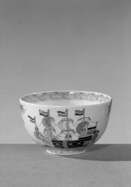 <em>Bowl</em>, 19th century. Porcelain with overglaze enamel and underglaze blue, 2 3/4 x 4 7/16 in. (7 x 11.2 cm). Brooklyn Museum, William E. Hutchins Collection, 52.87.2. Creative Commons-BY (Photo: Brooklyn Museum, 52.87.2_view1_acetate_bw.jpg)