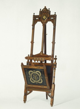 American. <em>Easel for Showing Prints or Drawings</em>. Walnut Brooklyn Museum, Gift of the Estate of Mrs. William H. Good, 56.155.1. Creative Commons-BY (Photo: Brooklyn Museum, 56.155.1_SL1.jpg)