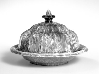 Lyman Fenton & Co. (American, 1849-1852). <em>Butter Dish</em>, ca 1850. Rockingham glazed earthenware, 5 1/4, diameter: 7 3/4 in.  (13.3 x 19.7 cm). Brooklyn Museum, Gift of Mr. and Mrs. Samuel Schwartz, 56.178a-c. Creative Commons-BY (Photo: Brooklyn Museum, 56.178a-c_bw.jpg)