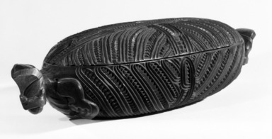 Maori. <em>Treasure Box with Lid  (Wakahuia)</em>, 19th century. Wood, a: 20 × 6 7/16 × 1 9/16 in. (50.8 × 16.4 × 4 cm). Brooklyn Museum, Gift of Arturo and Paul Peralta-Ramos, 56.6.62a-b. Creative Commons-BY (Photo: Brooklyn Museum, 56.6.62a-b_bw.jpg)