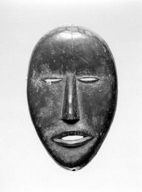 Dan. <em>Mask</em>, late 19th-early 20th century. Wood, 8 x 5 1/4 x 3 in. (20.3 x 13.3 x 7.6 cm). Brooklyn Museum, Gift of Arturo and Paul Peralta-Ramos, 56.6.87. Creative Commons-BY (Photo: Brooklyn Museum, 56.6.87_bw.jpg)