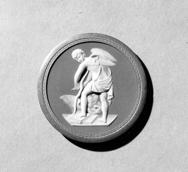 <em>Circular Medallion</em>. Jasperware Brooklyn Museum, Gift of Emily Winthrop Miles, 57.180.51. Creative Commons-BY (Photo: Brooklyn Museum, 57.180.51_acetate_bw.jpg)