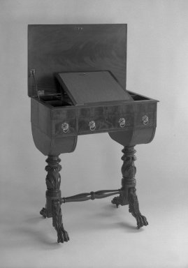 American. <em>Desk</em>, ca. 1810. Rosewood Brooklyn Museum, Gift of Mrs. Alfred Zoebisch, 59.143.32. Creative Commons-BY (Photo: Brooklyn Museum, 59.143.32_acetate_bw.jpg)