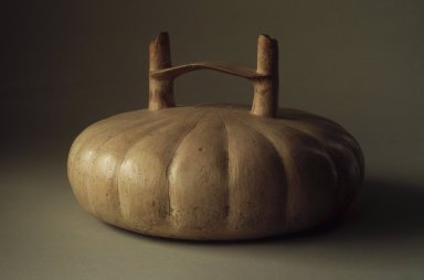 Topara. <em>Double Spout Bridge Vessel Representing Squash</em>, 300 B.C.E.-200 C.E. Ceramic, 4 1/2 x 7 1/4 x 7 1/4 in. (11.4 x 18.4 x 18.4 cm). Brooklyn Museum, Frank L. Babbott Fund, 59.197.2. Creative Commons-BY (Photo: Brooklyn Museum, 59.197.2.jpg)
