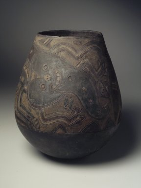 Paracas. <em>Large Jar</em>, 200-100 B.C.E. Ceramic, pigments, 13 1/2 x 12 1/2 x 12 1/2 in. (34.3 x 31.8 x 31.8 cm). Brooklyn Museum, Frank L. Babbott Fund, 59.197.4. Creative Commons-BY (Photo: Brooklyn Museum, 59.197.4.jpg)