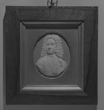 Wedgwood & Bentley (1768-1780). <em>Portrait Medallion of John Philip Elers, Potter</em>. White on blue jasperware Brooklyn Museum, Gift of Emily Winthrop Miles, 59.202.2. Creative Commons-BY (Photo: Brooklyn Museum, 59.202.2_acetate_bw.jpg)