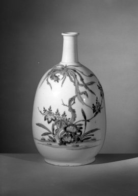 <em>Bottle with Decoration of a Phoenix</em>, late 17th century. Porcelain, 9 1/4 x 3 5/8 in. (23.5 x 9.2 cm). Brooklyn Museum, Carll H. de Silver Fund, 60.13. Creative Commons-BY (Photo: Brooklyn Museum, 60.13_front_acetate_bw.jpg)