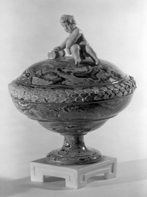 Wedgwood & Bentley (1768-1780). <em>Covered Compote, One of Pair</em>, ca. 1775. Creamware, H: 5 7/8 in. (14.9 cm). Brooklyn Museum, Gift of Emily Winthrop Miles, 60.198.24a. Creative Commons-BY (Photo: Brooklyn Museum, 60.198.24a_acetate_bw.jpg)