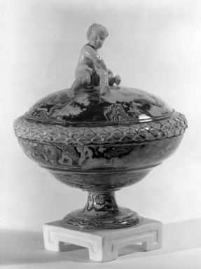 Wedgwood & Bentley (1768-1780). <em>Covered Compote, One of Pair</em>, ca.1775. Creamware, H: 5 7/8 in. (14.9 cm). Brooklyn Museum, Gift of Emily Winthrop Miles, 60.198.24b. Creative Commons-BY (Photo: Brooklyn Museum, 60.198.24b_acetate_bw.jpg)