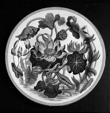 "<em>Plate</em>, ca.1790., 10"" dia. Brooklyn Museum, Gift of Emily Winthrop Miles, 61.199.4. Creative Commons-BY (Photo: Brooklyn Museum, 61.199.4_acetate_bw.jpg)"