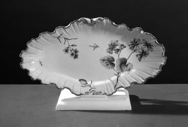 <em>Two Dishes</em>, ca. 1790. Brooklyn Museum, Gift of Emily Winthrop Miles, 61.199.6a-b. Creative Commons-BY (Photo: Brooklyn Museum, 61.199.6a_acetate_bw.jpg)