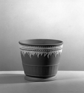 Josiah Wedgwood & Sons Ltd. (founded 1759). <em>Waste Bowl</em>, ca. 1785. Tinted stoneware Brooklyn Museum, Gift of Emily Winthrop Miles, 61.199.72. Creative Commons-BY (Photo: Brooklyn Museum, 61.199.72_acetate_bw.jpg)