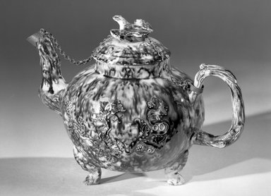 """<em>Teapot</em>., Height: 6 1/2""""; Width: 8 3/4"""". Brooklyn Museum, Gift of Emily Winthrop Miles, 61.199.7. Creative Commons-BY (Photo: Brooklyn Museum, 61.199.7_acetate_bw.jpg)"""