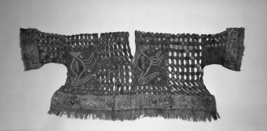 Chimú. <em>Tunic</em>, 1000-1532. Cotton, camelid fiber, 19 5/16 x 51 3/16in. (49 x 130cm). Brooklyn Museum, Caroline A.L. Pratt Fund, 61.209. Creative Commons-BY (Photo: Brooklyn Museum, 61.209_acetate_bw.jpg)
