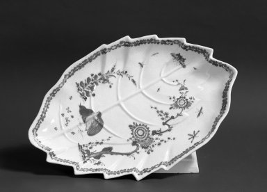 <em>Dish</em>, ca. 1755. Porcelain, 1 × 11 5/8 × 7 3/4 in. (2.5 × 29.5 × 19.7 cm). Brooklyn Museum, Gift of Pearl and Donald S. Morrison, 61.232.14. Creative Commons-BY (Photo: Brooklyn Museum, 61.232.14_acetate_bw.jpg)