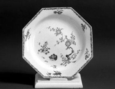 Bow Porcelain Factory. <em>Dish</em>, ca. 1755. Porcelain, 8 1/4 in. (21 cm). Brooklyn Museum, Gift of Pearl and Donald S. Morrison, 61.232.2. Creative Commons-BY (Photo: Brooklyn Museum, 61.232.2_acetate_bw.jpg)