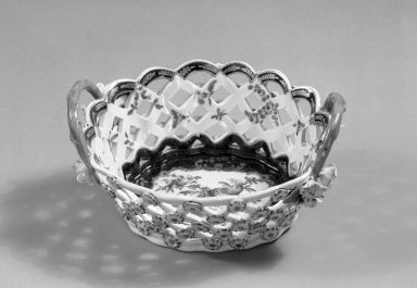 James Giles (English, 1718-1780). <em>Basket</em>, ca. 1765. Porcelain, 3 3/8 x 7 1/4 x 7 1/4 in. (8.6 x 18.4 x 18.4 cm). Brooklyn Museum, Gift of Pearl and Donald S. Morrison, 61.232.8. Creative Commons-BY (Photo: Brooklyn Museum, 61.232.8_interior_acetate_bw.jpg)