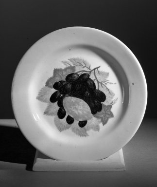 John Vickers (American). <em>Plate</em>, 1824. Porcelain Brooklyn Museum, Gift of Henry  F. du Pont, 61.79. Creative Commons-BY (Photo: Brooklyn Museum, 61.79_acetate_bw.jpg)