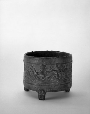 <em>Cylindrical Jar (Hill Jar with Cover Missing)</em>, 206 B.C.-220 C.E. Glazed pottery, 6 1/4 x 7 9/16 in. (15.8 x 19.2 cm). Brooklyn Museum, Gift of Mrs. John W. James, 61.83. Creative Commons-BY (Photo: Brooklyn Museum, 61.83_bw.jpg)