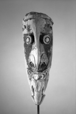 <em>Canoe Prow</em>, early 20th century. Wood, 33 7/16 x 9 7/16 in. (85 x 24 cm). Brooklyn Museum, Gift in memory of Abraham Barstock and Frank L. Babbott Fund, 62.54. Creative Commons-BY (Photo: Brooklyn Museum, 62.54_front_acetate_bw.jpg)