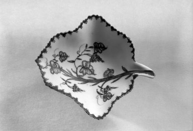 Bow Porcelain Factory. <em>Leaf-Shaped Sweet Meat Dish</em>. Porcelain Brooklyn Museum, Gift of H. Randolph Lever, 63.143.10. Creative Commons-BY (Photo: Brooklyn Museum, 63.143.10_acetate_bw.jpg)