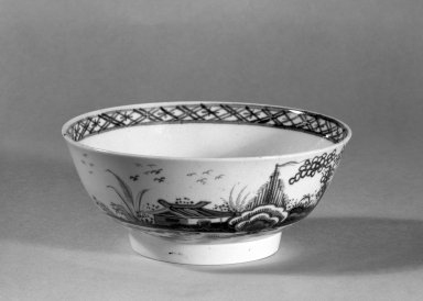 Lowestoft Porcelain Factory. <em>Bowl</em>. Soft-paste porcelain Brooklyn Museum, Gift of H. Randolph Lever, 63.143.11. Creative Commons-BY (Photo: Brooklyn Museum, 63.143.11_acetate_bw.jpg)