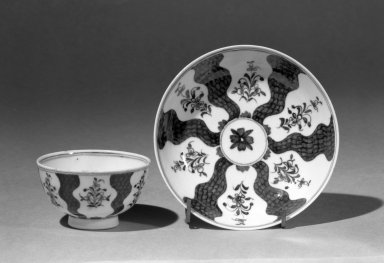 Lowestoft Porcelain Factory. <em>Cup (or Tea Bowl) and Saucer</em>. Porcelain Brooklyn Museum, Gift of H. Randolph Lever, 63.143.5a-b. Creative Commons-BY (Photo: Brooklyn Museum, 63.143.5_acetate_bw.jpg)