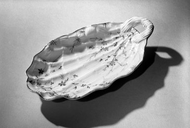 Union Porcelain Works (1863-ca. 1922). <em>Bonbon Dish</em>, 1887. Porcelain, 1 1/4 x 4 3/4 x 8 5/8 in. (3.2 x 12.1 x 21.9 cm). Brooklyn Museum, Dick S. Ramsay Fund, 63.5. Creative Commons-BY (Photo: Brooklyn Museum, 63.5_acetate_bw.jpg)