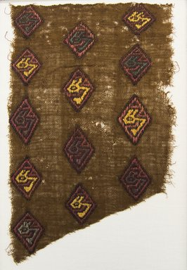 Chancay. <em>Textile Fragment, Undetermined or Mantle?, Fragment</em>, 1000-1532. Cotton, camelid fiber, 6 1/8 x 9 7/16 in. (15.5 x 24.0 cm). Brooklyn Museum, Gift of Adelaide Goan, 64.114.182 (Photo: Brooklyn Museum, 64.114.182_front_PS5.jpg)