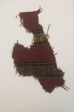 <em>Textile Fragment, undetermined</em>, 1400-1700 or Undetermined. Camelid fiber, (10.0 x 17.0 cm). Brooklyn Museum, Gift of Adelaide Goan, 64.114.199 (Photo: Brooklyn Museum, 64.114.199_front_PS5.jpg)