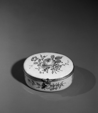 Veuve Perrin. <em>Box</em>, ca. 1765. Enamel over copper, silver, 1 1/2 x 2 7/8 x 2 3/8 in. (3.8 x 7.3 x 6 cm). Brooklyn Museum, Anonymous gift, 64.241.11. Creative Commons-BY (Photo: Brooklyn Museum, 64.241.11_acetate_bw.jpg)
