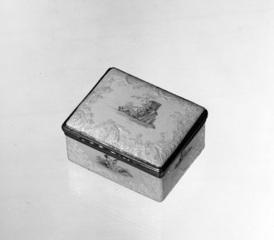 <em>Box</em>, ca. 1770. Enamel over copper, 1 3/8 x 2 1/2 x 2 in. (3.5 x 6.4 x 5.1 cm). Brooklyn Museum, Anonymous gift, 64.241.9. Creative Commons-BY (Photo: Brooklyn Museum, 64.241.9_acetate_bw.jpg)