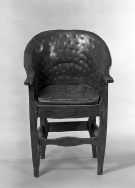 <em>Child's Chair</em>, ca. 1800. Oak and fruitwood, 33 3/4 x 18 1/2 x 17 in. (85.7 x 47 x 43.2 cm). Brooklyn Museum, Gift of Rodman A. Heeren, 66.113.2. Creative Commons-BY (Photo: Brooklyn Museum, 66.113.2_acetate_bw.jpg)