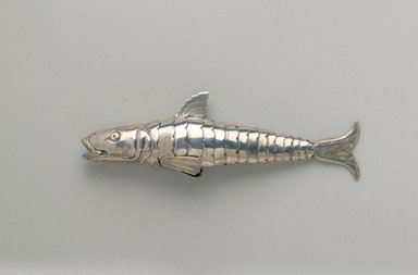 <em>Box in Form of Fish</em>, late 19th century. Silver, 1 7/8 x 5 3/8 x 7/8 in. (4.8 x 13.7 x 2.2 cm). Brooklyn Museum, Anonymous gift, 66.177.42. Creative Commons-BY (Photo: Brooklyn Museum, 66.177.42_PS2.jpg)
