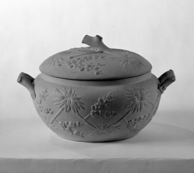 Josiah Wedgwood & Sons Ltd. (founded 1759). <em>Sugar Bowl with Cover</em>, ca. 1840. Earthenware, 4 x 5 in. (10.2 x 12.7 cm). Brooklyn Museum, Gift of the Bess and Sam Zeigen Family, 66.229.10a-b. Creative Commons-BY (Photo: Brooklyn Museum, 66.229.10a-b_bw.jpg)
