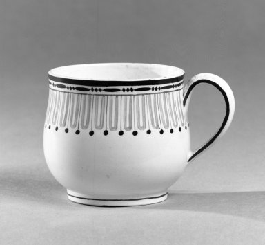 Josiah Wedgwood & Sons Ltd. (founded 1759). <em>Custard Cup</em>, ca. 1790. Creamware, 2 1/4 x 2 3/4 in. (5.7 x 7 cm). Brooklyn Museum, Gift of the Bess and Sam Zeigen Family, 66.229.15. Creative Commons-BY (Photo: Brooklyn Museum, 66.229.15_bw.jpg)